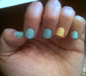 Nails of the Day: Essie's Mint Candy Apple and Sally Girl's Banana
